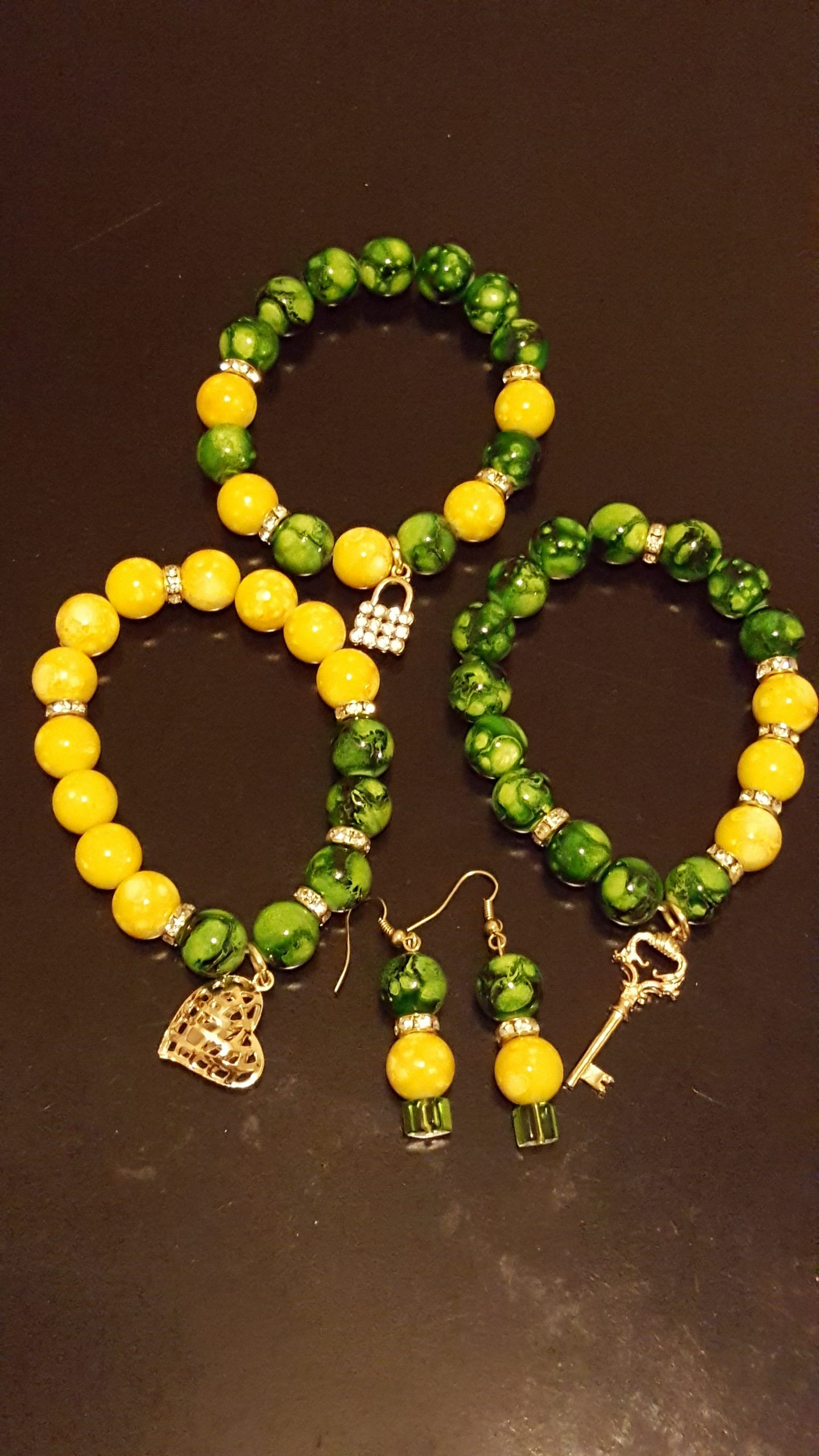 Green/gold bracelet set