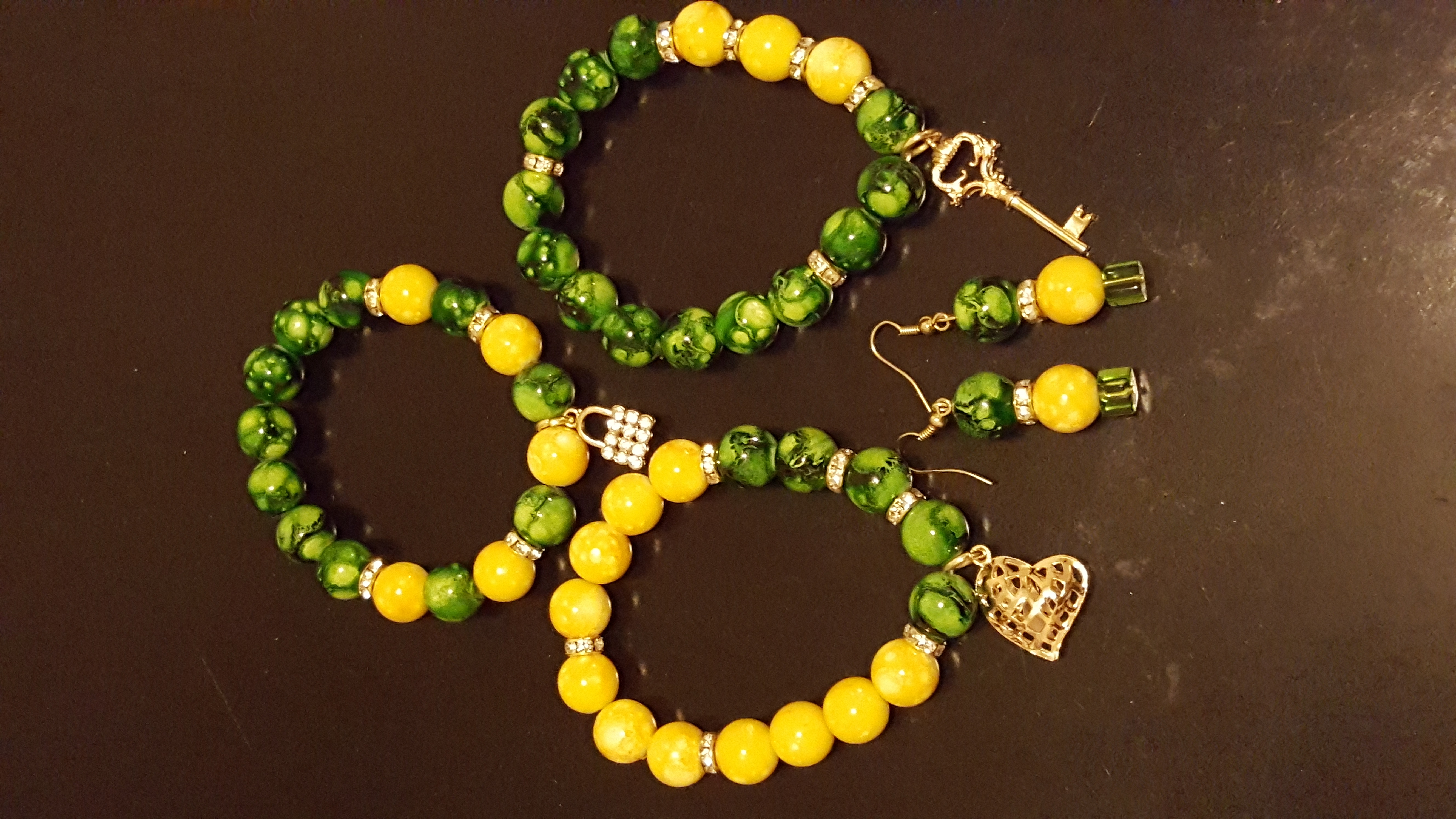 Green/gold bracelet set