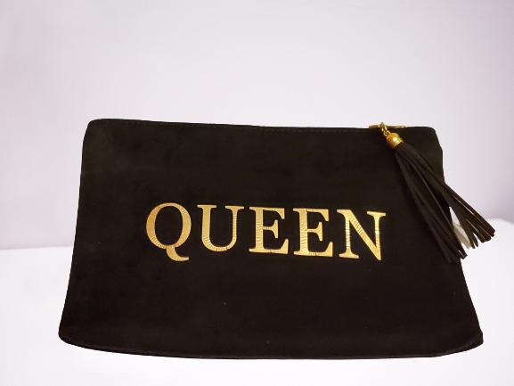 Queen pouch